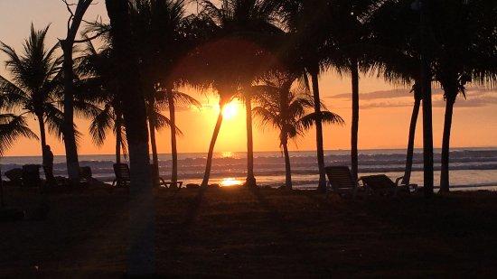 Morgan's Cove Resort & Casino: Amazing sunset