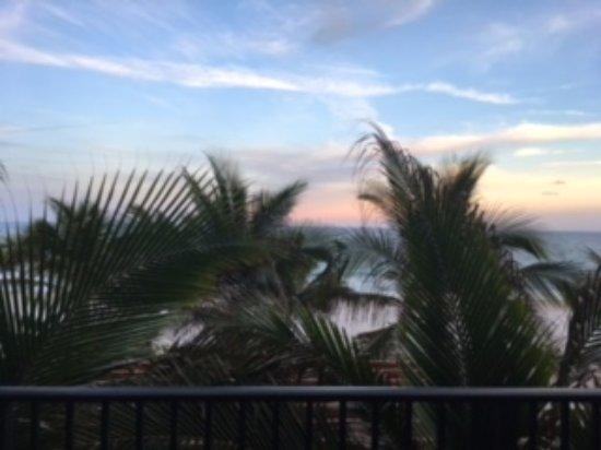 Sea Lord Hotel & Suites: Blocked view of beach/ocean