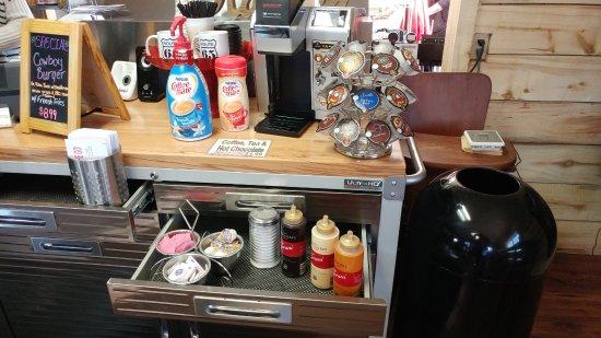 Hotchkiss, CO: Coffee area