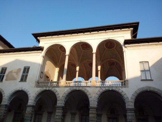 Cesano Maderno, Italie : Particolare della loggia coperta