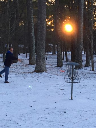 Chapel Hill, TN: Great short Disc Golf Course. Well maintained & clearly marked. Open year round!