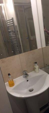 Calne, UK: Room 3 (Ground Floor) Twin En-suite