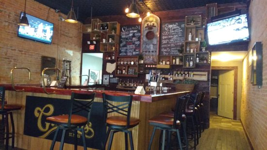 Saint Marys, OH: New old style bar at Guarnieris