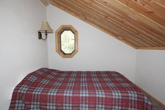 Hope, Alaska: Twin trundle loft bedroom