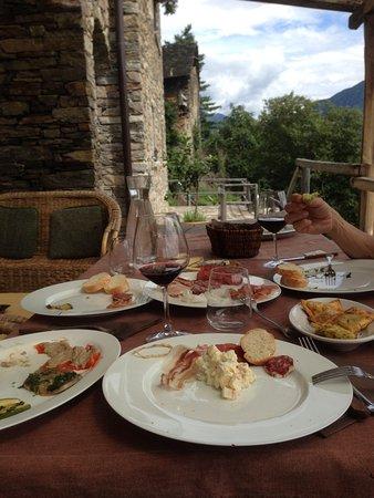 Villadossola, Italy: aperitivo all'aperto
