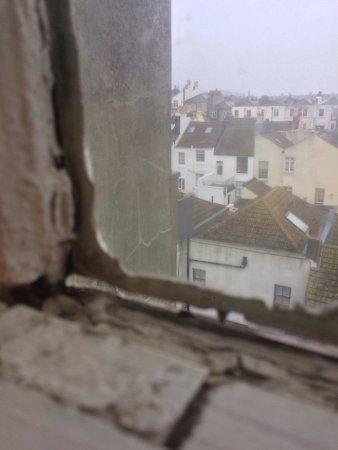 Brighton and Hove, UK: Filthiest hotel in Brighton