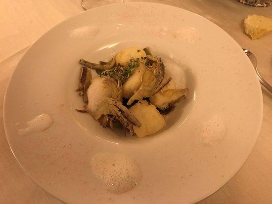 Montechiarugolo, Italia: Baccalà fritto con carciofi e spuma di mare