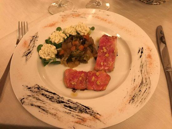 Montechiarugolo, Italia: Cernia con verdure in agrodolce e spuma di senape