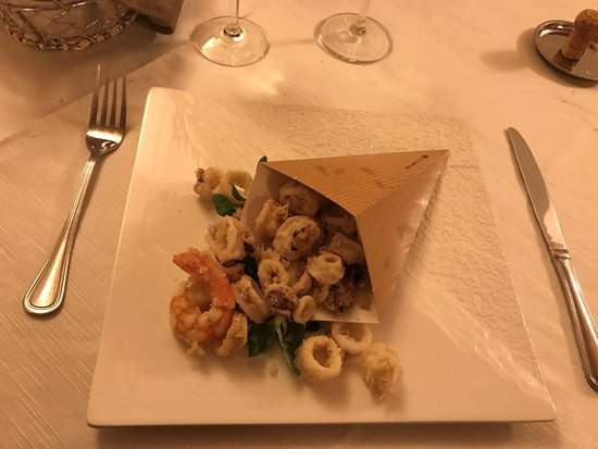 Montechiarugolo, Italy: Frittura di calamari e gamberi