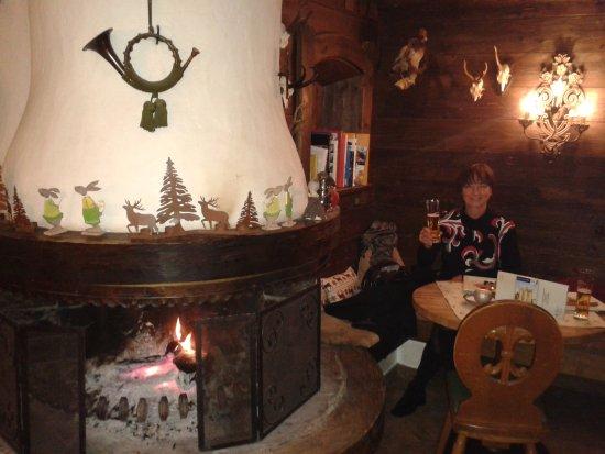 Hotel Landgasthof Gappen: gemütlicher Kamintisch beim Abendessen