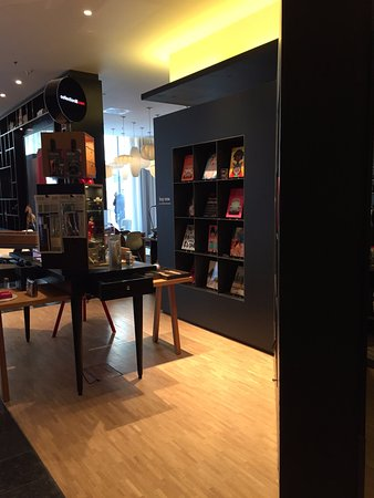 citizenM London Bankside: Reception area