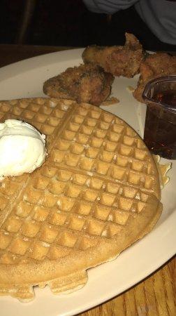Roscoe's House of Chicken & Waffles: photo0.jpg