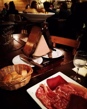 Neuilly-sur-Seine, Francja: raclette