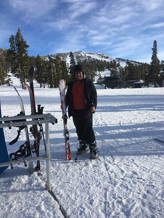 Black Tie Ski Rentals of South Lake Tahoe: Black Tie Ski Rental in Lake Tahoe was fantastic!  Our arrival was very late, but they arrived r