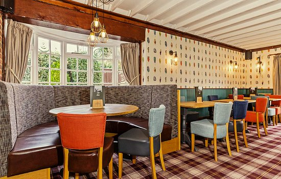 The Jolly Coopers Public House: our lovely new lounge & dining rooms