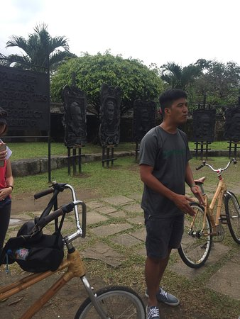 Bambike Ecotours Intramuros: Our tour guide
