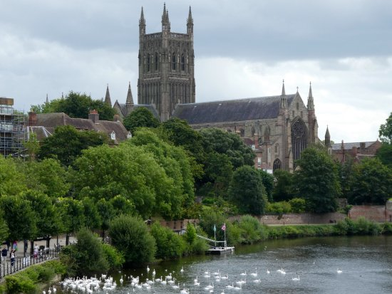 Worcester, UK : Majestic Cathedral