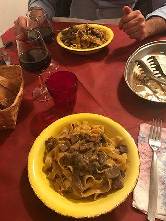 Bettolle, อิตาลี: Porzione abbondanti...come a casa!