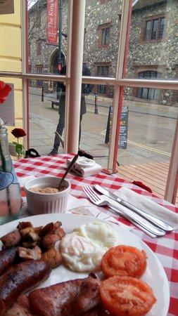 Leonora's Kitchen: English breakfast, lovely place!