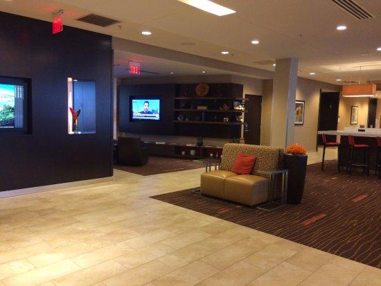 Washington, PA: Lobby area
