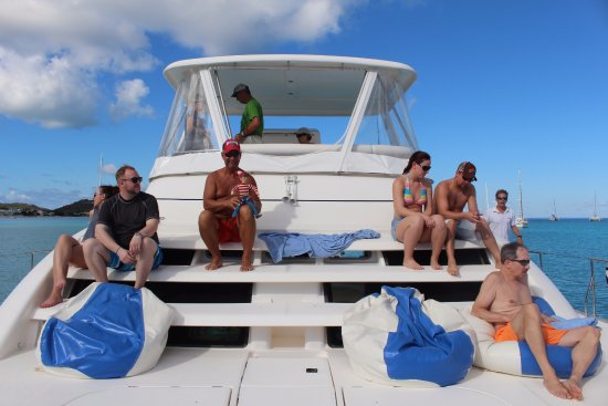 Gustavia, San Bartolomé: View from the front of the boat