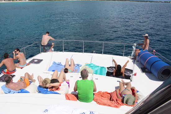 Gustavia, San Bartolomé: View from the top of the boat