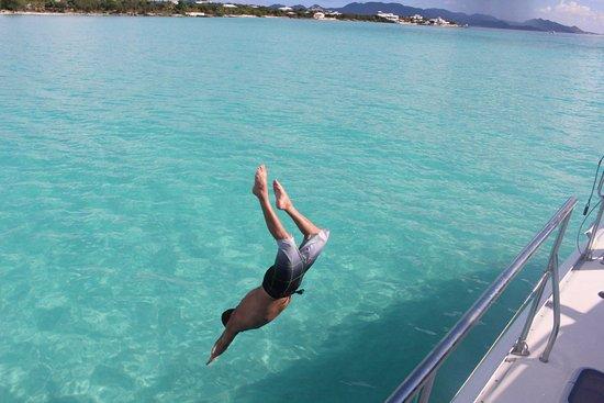 Gustavia, San Bartolomé: Diving off the side