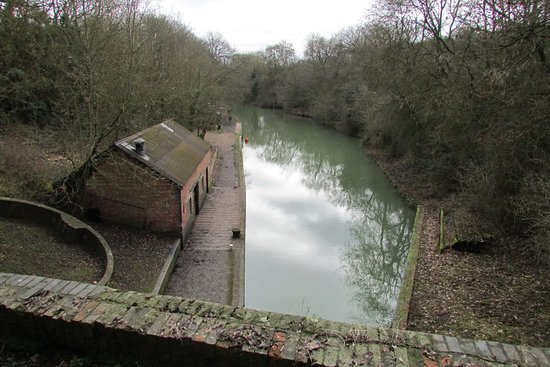 Stoke Bruerne, UK: View from top of tunnel