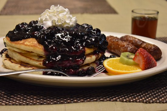 Hiouchi, CA: Loaded Blueberry Pancakes