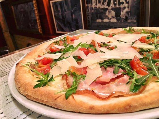 Payerne, Swiss: Pizza Porchetta