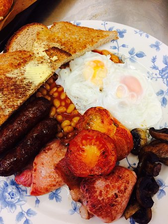 Ormskirk, UK: Breakfast served until 11:30 daily.
