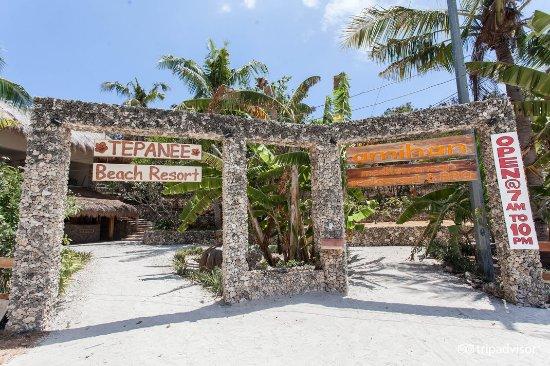 Amihan Restaurant - Tepanee Beach Resort: Entrance