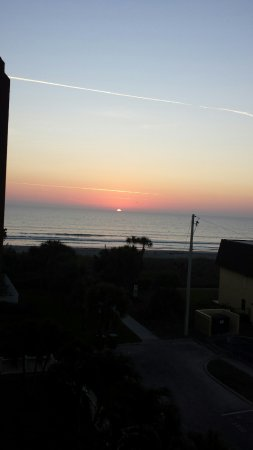 Chateau By The Sea : Sunrise from balcony