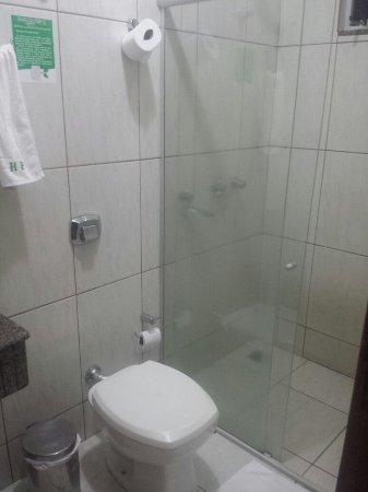 Guaira, PR: Banheiro do hotel