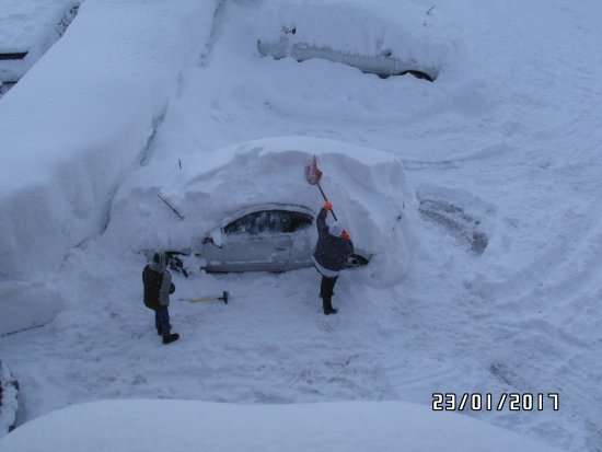 Truckee Donner Lodge: Expect snow in winter