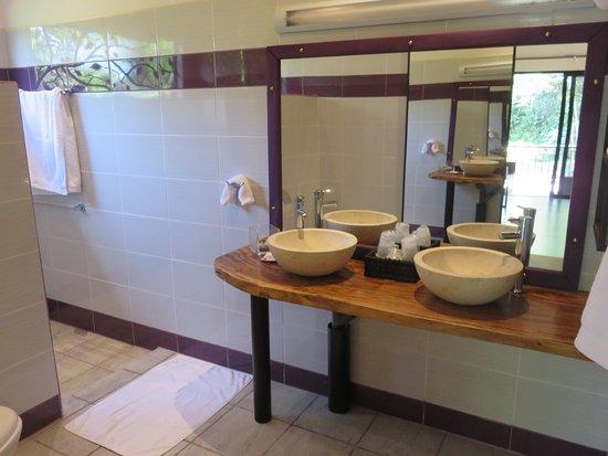 Ojochal, Costa Rica: Sala de baño