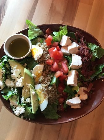Mequon, WI: Healthy