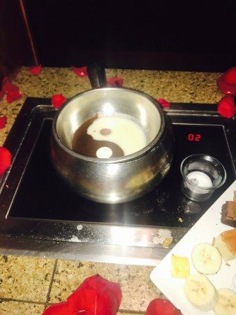 Melting Pot Troy Mi. Great Time!