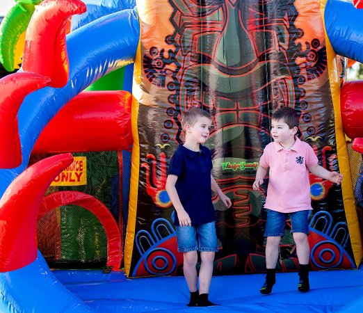 Dalby, ออสเตรเลีย: Free Jumping Castle for the kids to enjoy Friday nights.