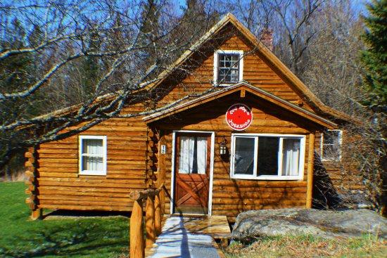 Josselyn's Getaway Log Cabins: Workshop cabin