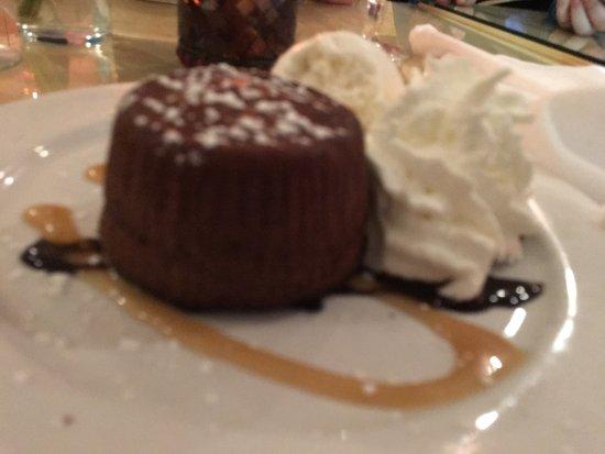 Newtown, CT: Sunday night dinner and dessert