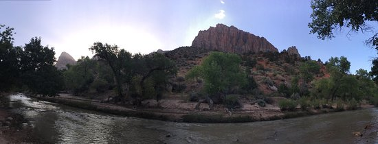 Zion Canyon Campground: Clean campgrounds right next to a river/creek! Shuttle picks you up at the entry to Campground s