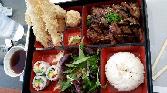 Richmond Hill, Canada: Tomo Japanese Restaurant