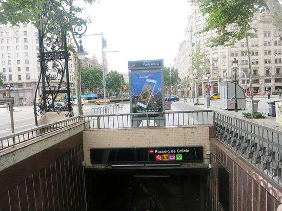 renaissance barcelona hotel metro station on passeig de grcia