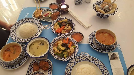 Asiatique The Riverfront Food at Calypso Thai Restaurant & Food at Calypso Thai Restaurant - Picture of Asiatique The ...