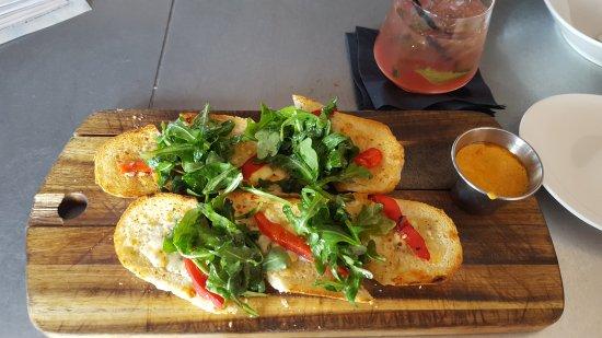 Market Grille: Garlic Bread