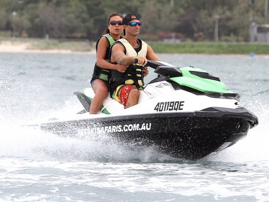 Main Beach, Australia: One of the most memorable open water experiences of our life! Get onboard now!