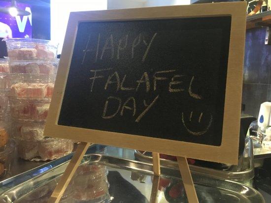 Cremorne, Australia: Everyday is a happy falafel day!