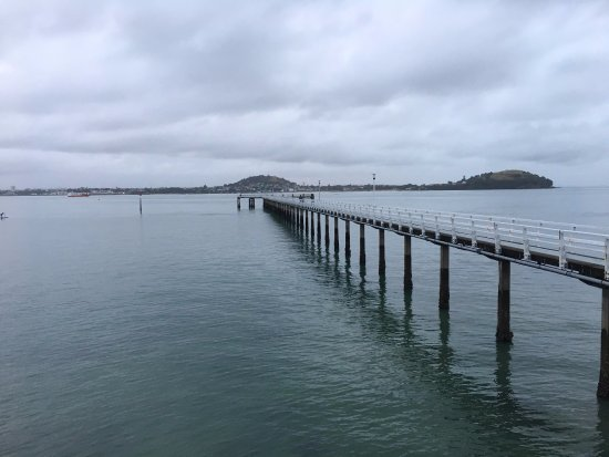 Orakei, Nya Zeeland: Amazing jetty right outside to venture out on