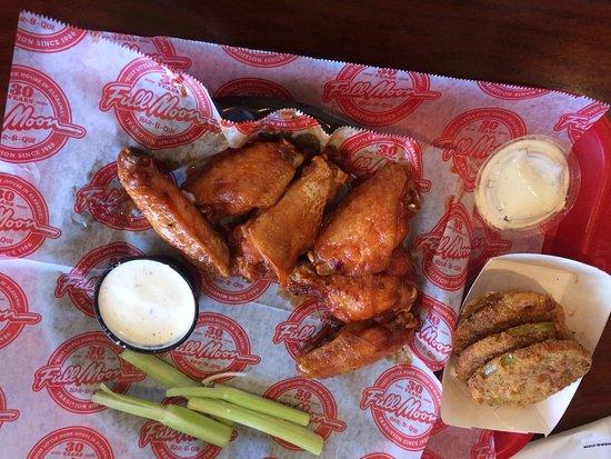 Fultondale, AL: Fried sweet heat wings!